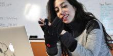 So fühlt sich eine Fernbeziehung mit Handschuhen an