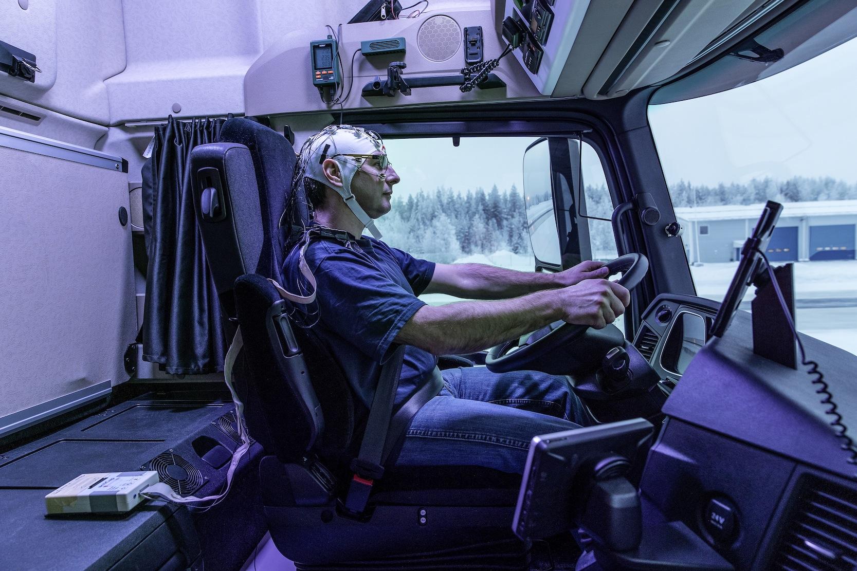 Das Befinden der Fahrer wurde während der Fahrt laufend mit Sensoren überwacht – mit und ohne Licht.