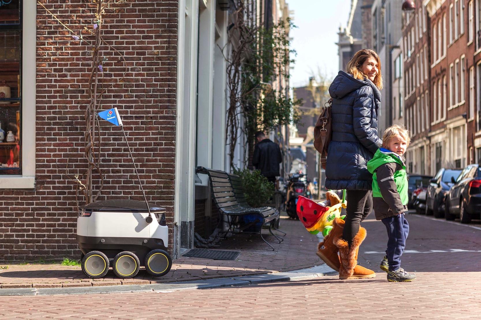 Der Testbetrieb mit Lieferrobotern in Hamburg soll in zwei Monaten beginnen.