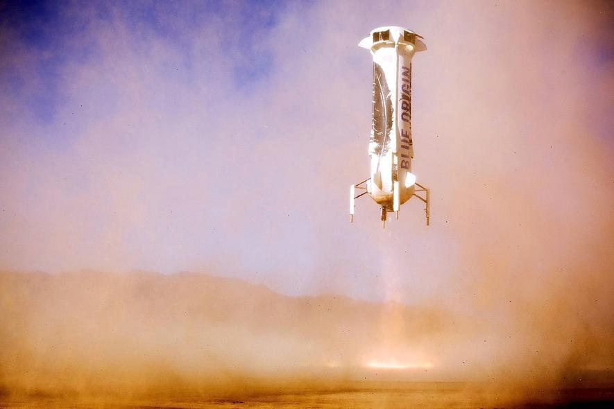 Die Recycling-RaketeNew Shepard bei der Landung.