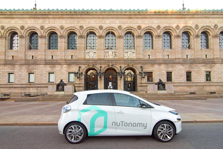 Roboter-Taxi von Nutonomy in Boston. Das selbstfahrende Auto startet in die Testphase, um Straßen und Wetterbedingungen kennenzulernen.