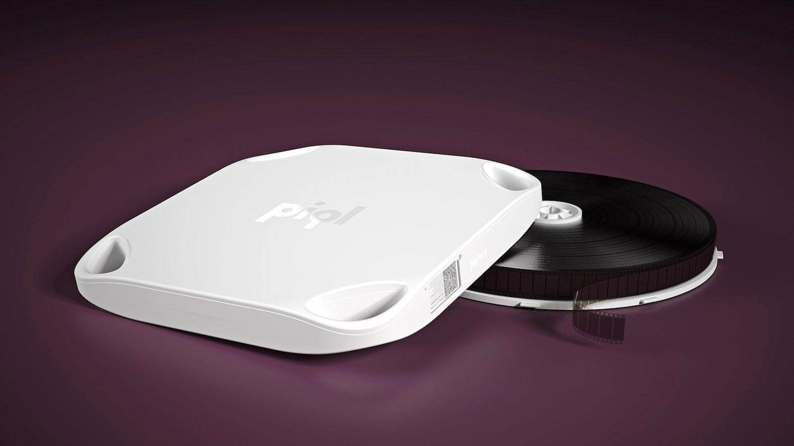 Piql-Box und-Filmrolle: Gespeicherte Daten sollen sich so gelagert 500 bis 1.000 Jahre lang halten.