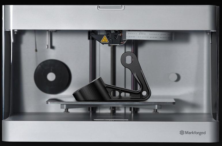 Der Drucker Mark Two kann Endlosfasern aus Karbon und Kevlar verarbeiten.