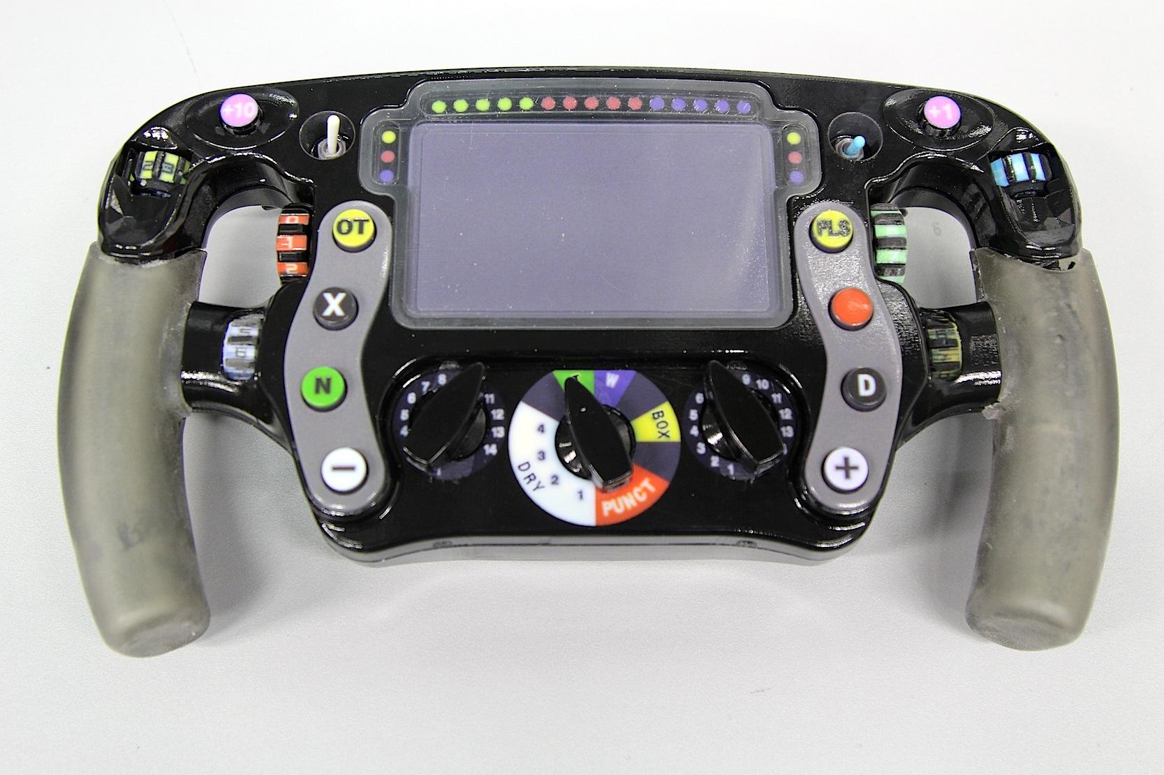 Auch das Lenkrad im neuen McLaren Honda wurde mit einem Drucker von Stratasys hergestellt.