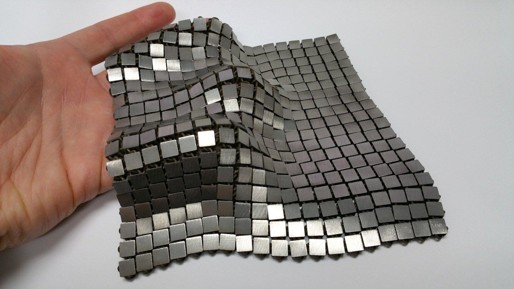 Aus dem neuen Metallgewebe könnten in Zukunft auchRaumanzüge für Astronauten hergestellt werden. Dabei sollen die 3D-Drucker das Material auch im all produzieren können.