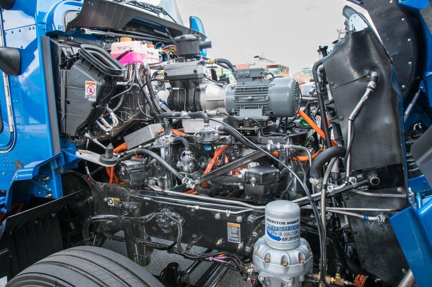 Der Elektroantrieb des Toyota-Trucks bringt 670 PS und fast 1800 Newtonmeter Drehmoment auf die Straße.Getankt wird Wasserstoff.