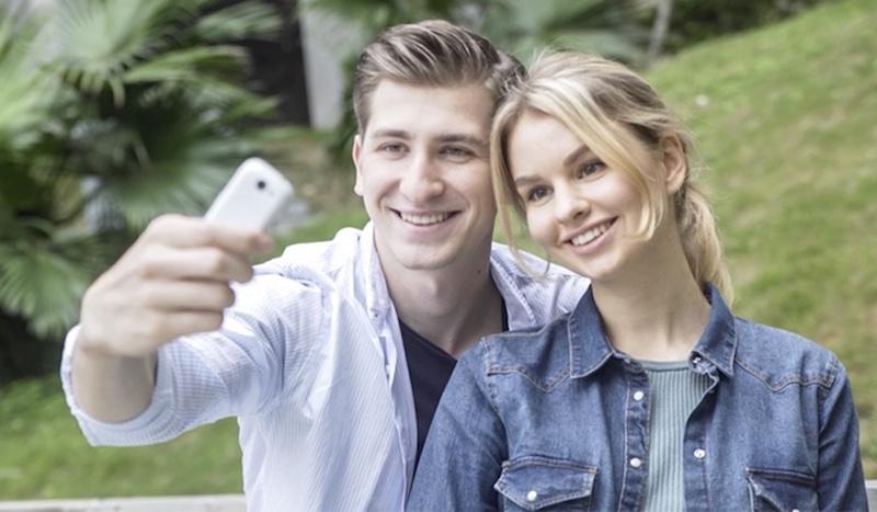 Auch Selfie-Freunde kommen auf ihre Kosten. Das Jelly hat eine 8-MP-Kamera auf der Rückseite und eine 2-MP-Kamera auf der Vorderseite.