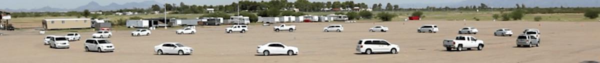 22 Autos fahren im Kreis: Eine aktuelle US-amerikanische Studie bestätigt, dass sich autonom fahrende Autos positiv auf den Verkehrsfluss auswirken.