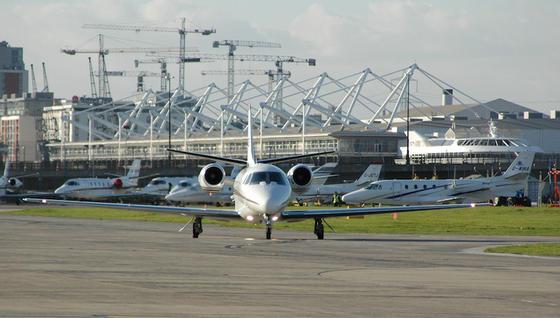 Der London City Airport soll der erste Flughafen in Großbritannien sein, der aus der Ferne fluggesichert wird.