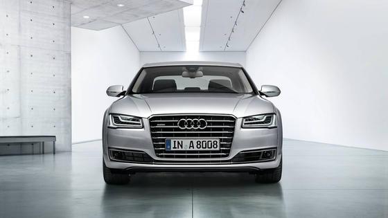 Angeblich fahren auch in Deutschland Autos von Audi mit illegaler Abschaltvorrichtung über die Straßen. Betroffen sind die Modellreihen A8 und A7 mit V6- und V8-Dieselmotoren.