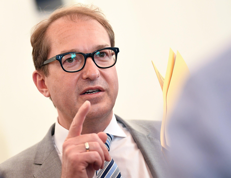 Bundesverkehrsminister Alexander Dobrindt hat Audi verpflichtet, 24.000 Autos zurückzurufen und bis zum 12. Juni Lösungsvorschläge zur Umrüstung zu machen.