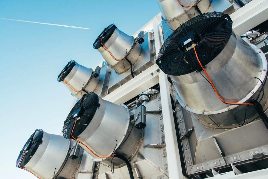 CO2 aus der Luft filtern und als Dünger im Gewächshaus einsetzen