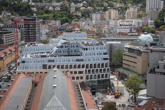 """Durch die Häuserschluchten der Landeshauptstadt Stuttgart weht stets ein kleiner Wind. Den wollen die Forscher des Promotionskollegs """"Windy Cities"""" nutzen."""