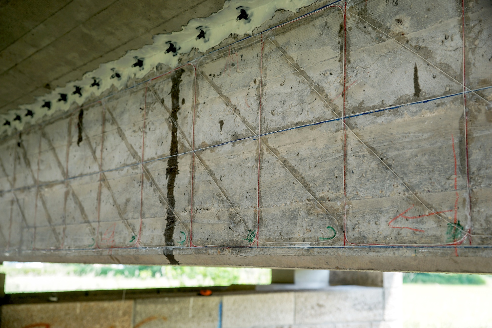 Manche alten Brücken sind noch überraschend gut in Schuss, obwohl sie nach Berechnungen der Ingenieure längst baufällig sein müssten. Warum das so ist, wollen die Ingenieure der TU München herausfinden.
