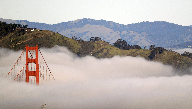 Die meiste Zeit liegt die Golden Gate Bridge im Nebel.