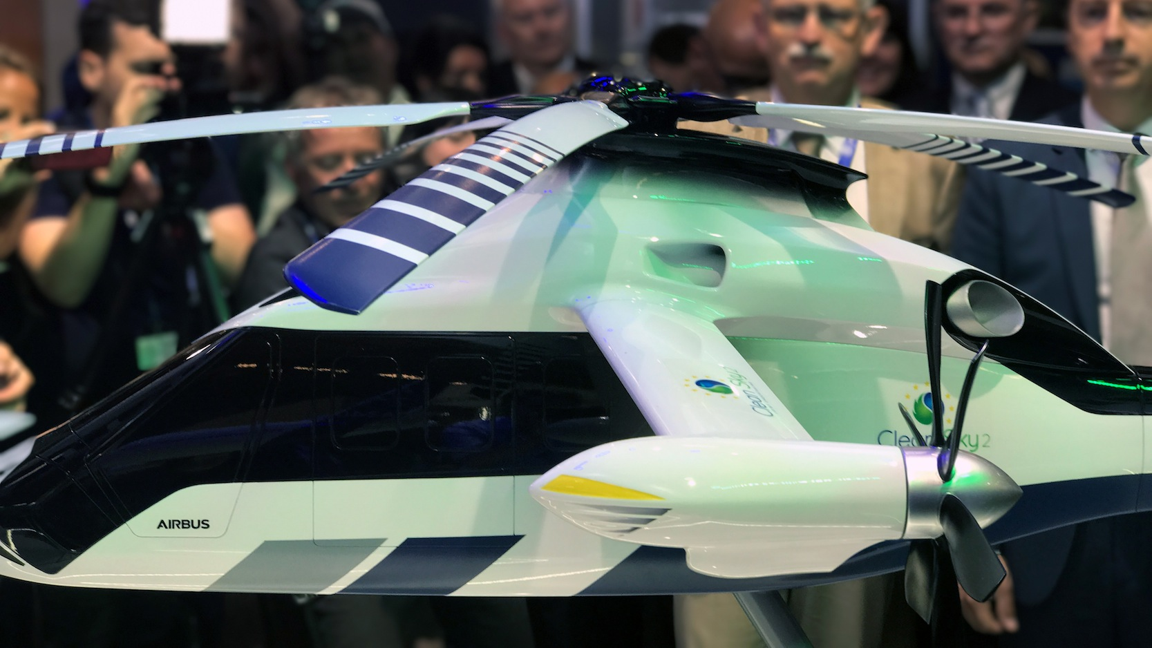 Modell des neuen Hubschraubers Racer auf der Pariser Air Show.