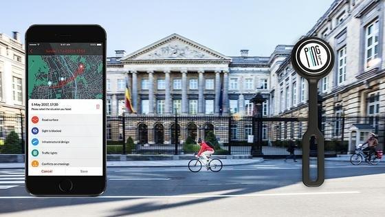 Radler in Brüssel können sich einen sogenannten Ping-Button an den Lenker klemmen und bei Gefahrenstellen eine Meldung an die Stadt senden – per Knopfdruck. Das Pilotprojekt läuft sehr gut.