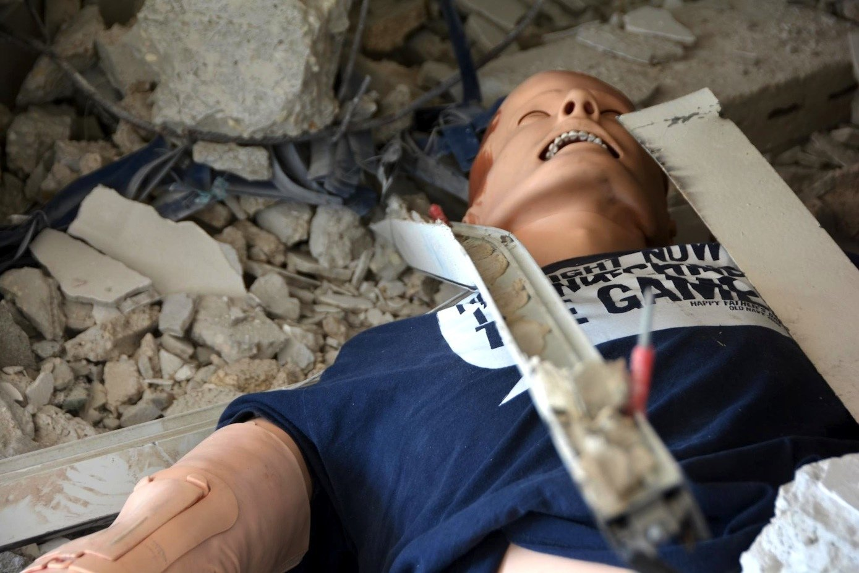 Im Center for Medical Simulation werden unterschiedliche Einsatzszenarien simuliert. Auf dem Bild ist ein Verletzter nach einem Häuserkampf zu sehen.