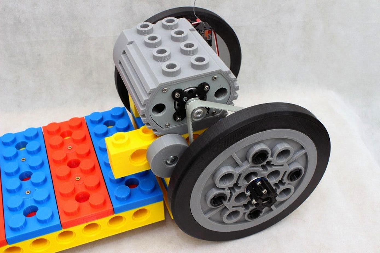 Der Elektromotor des Legoboards leistet 1,5 Kilowatt.