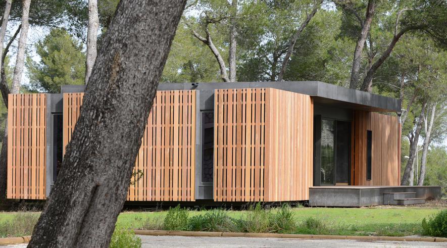 Pop-up House: Das abgebildete Holzhausist 150 m2 groß und wurde in nur vier Tagen von vier Personen aufgebaut. Genauso schnell soll es sich wieder abbauen lassen. Die Idee stammt vom Marseiller Architekturbüro Multipod Studio.