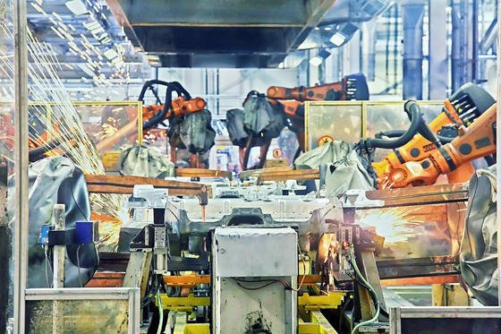 Wo Mensch und Roboter miteinander arbeiten, werden auch Ingenieure und Informatiker als Team funktionieren müssen.