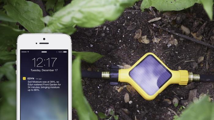 DerEdyn Garden Sensor misst die Bodenbeschaffenheit und kann beispielsweise die Bewässerung von Pflanzen steuern.