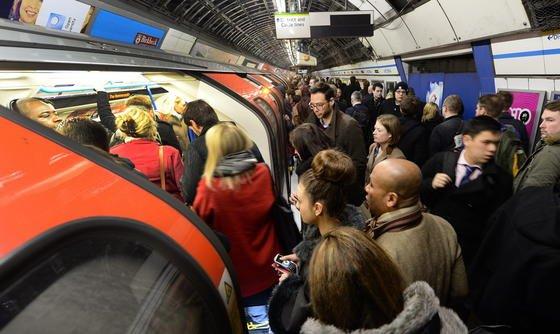 """""""London Underground"""" gilt als die älteste U-Bahn der Welt."""