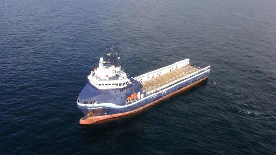Das Offshore-VersorgungsschiffHighland Chieftain wurde für eine autonome Testfahrt mit Zusatzsoftware ausgerüstet und aus mehr als 8.000 Kilometer Entfernung per Joystick ferngesteuert.