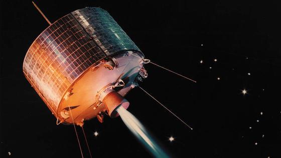 Der erste geosynchrone Satellit wurde 1961 von der Nasa eingesetzt. Er sendete aber nie Daten.