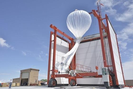 Ein Netzwerk von Ballons, die am Rande des Weltraums unterwegs sind, soll Menschen in abgelegenen Gebieten mit Internetzugang versorgen.