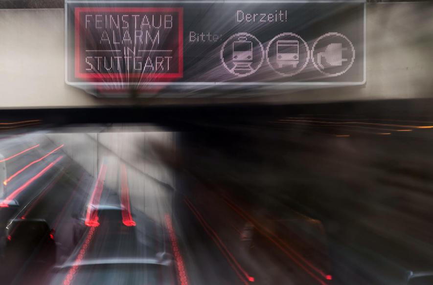Feinstaubalarm im Februar 2017 in Stuttgart: Ab 2018 dürfen Dieselautos unterhalb von Euro 6 nicht mehr nach Stuttgart fahren. Jetzt hat Volvo angekündigt, keine neuen Dieselmotoren mehr zu entwickeln. Volvo setzt auf Benziner, Elektromotoren und Plug-in-Hybride.