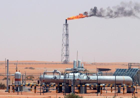 Ölförderung in Khurais, 160 Kilometer entfernt von der saudischen Hauptstadt Riad: Saudi-Arabien will auf Kernkraft umsteigen, um seine Ölreserven zu schonen.