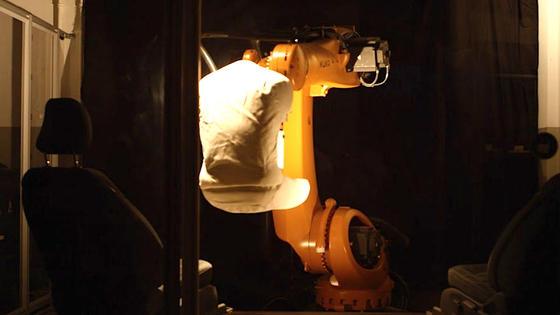 Die Maschine Robutt nimmt 25.000 Mal buchstäblich Platz auf dem Sitz,um in nur drei Wochen das Äquivalent einer zehnjährigen Nutzung zu simulieren.