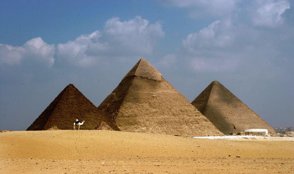 Die Pyramiden von Giseh (Ägypten) bestehen aus (v.l.) der des Mykerinos, des Chephren und des Cheops.