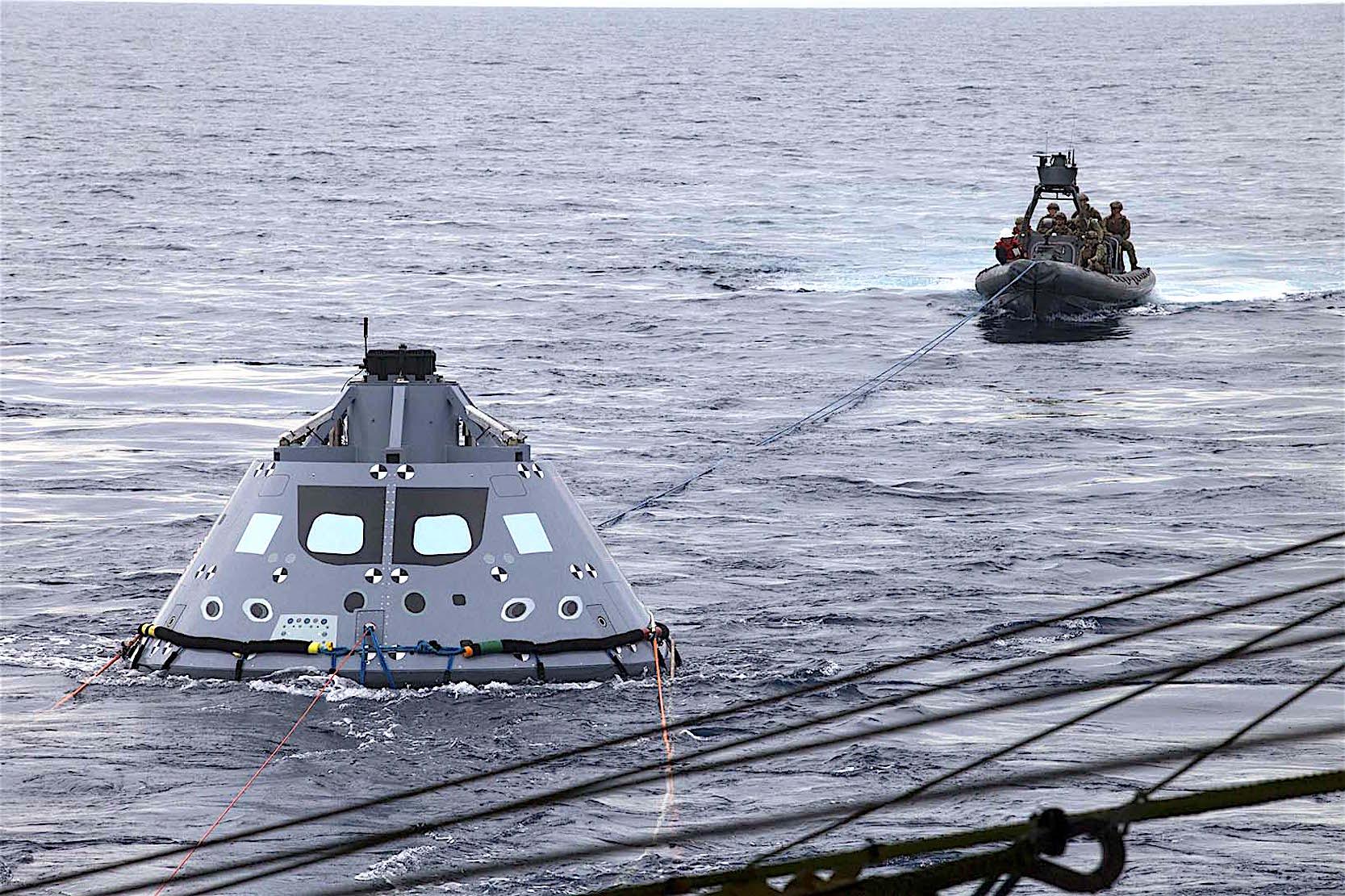 Auch im Pazifik hat die US Navy die Bergung der Orion-Kapsel schon trainiert.