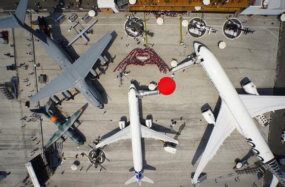 Flugzeuge von Airbus auf der Pariser Luftfahrtmesse in Le Bourget: Airbus ist der zweitgrößte Flugzeughersteller der Welt – hinter dem US-Konzern Boeing.