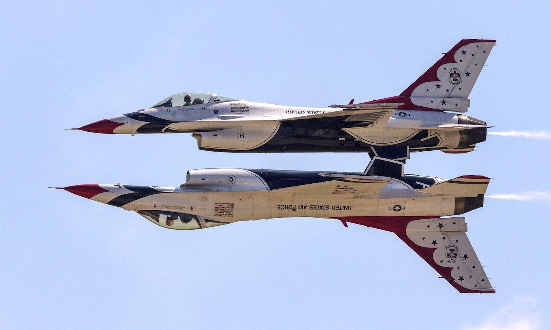 Zwei Thunderbirds von Lockheed Martin: Der Rüstungskonzern ist das erfolgreichste Wehrtechnikunternehmen der Welt.