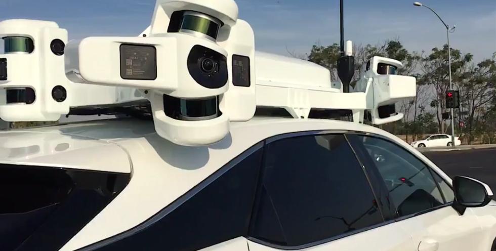 Der IT-Experte MacCallister Higgins hat ein Auto in Kalifornien entdeckt, das möglicherweise mit Apple-Technik autonom unterwegs ist. Apple hat bestätigt, dass der Konzern bei der Entwicklung große Fortschritte macht.