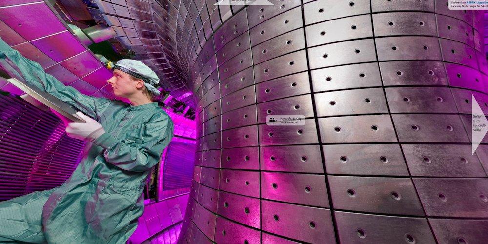Forscher im Fusionsreaktor Wendelstein 7 X