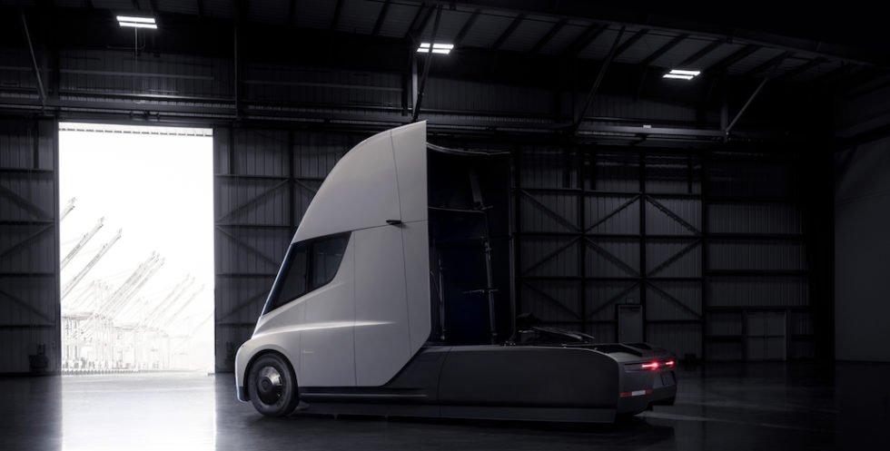 Foto: James King/Tesla Motors. Extrem windschnittig: Neue Designs für teilautonome LKW