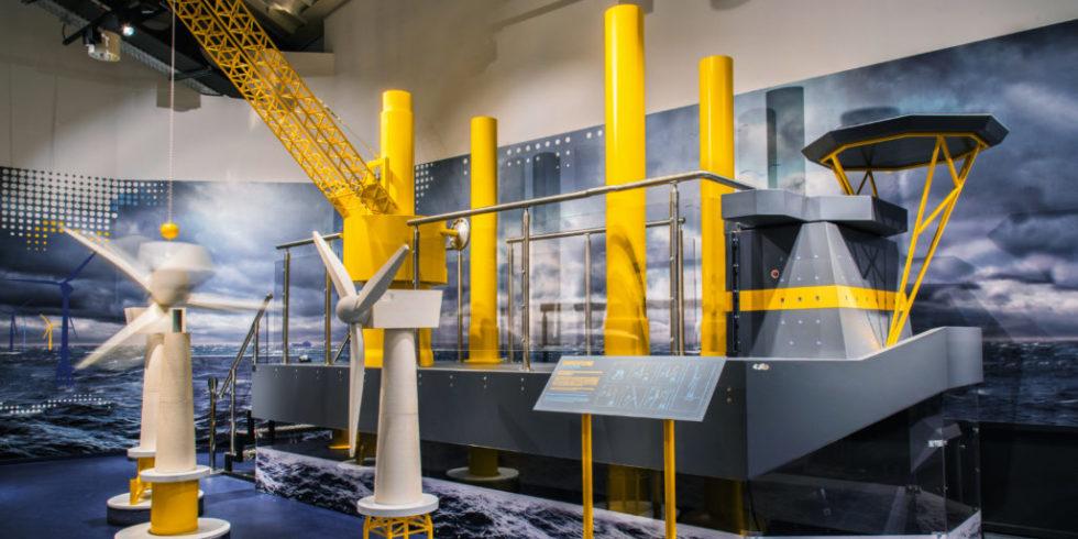 Errichterschiff für Offshore-Plattformen im Klimahaus Bremerhaven