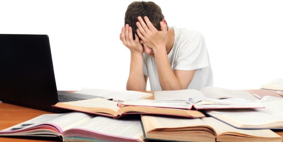 Studieren kann sehr frustrierend sein. Das führt aber nicht unbedingt zum Studienabbbruch.