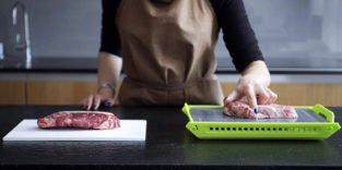 So tauen Sie Steaks mit Raumfahrtmaterial schnell auf