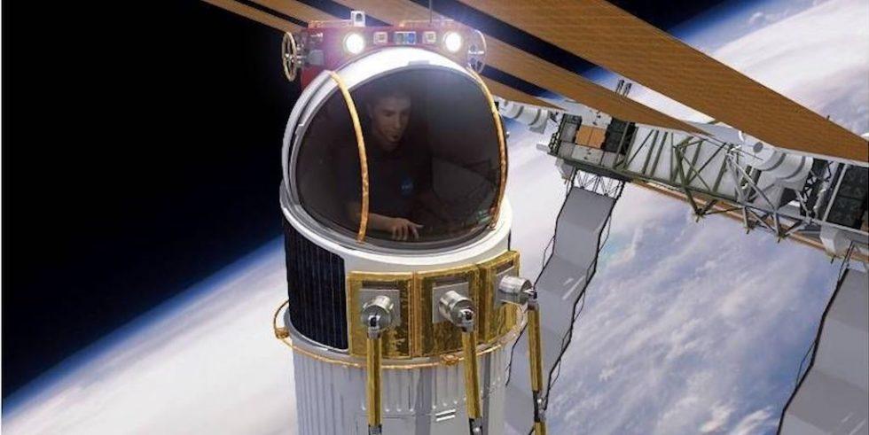 Das Ein-Personen-Raumschiff im Außeneinsatz: Der Passagier führt Reparaturen mit spinnenartigen Roboterarmen durch.