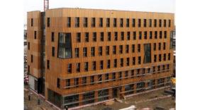 Das weltgrößte Hochhaus aus Holz ist halb fertig