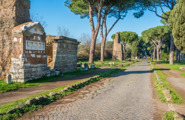 Die Via Appia in Rom ist die älteste Straße der Welt. Foto: panthermedia.net/e55evu