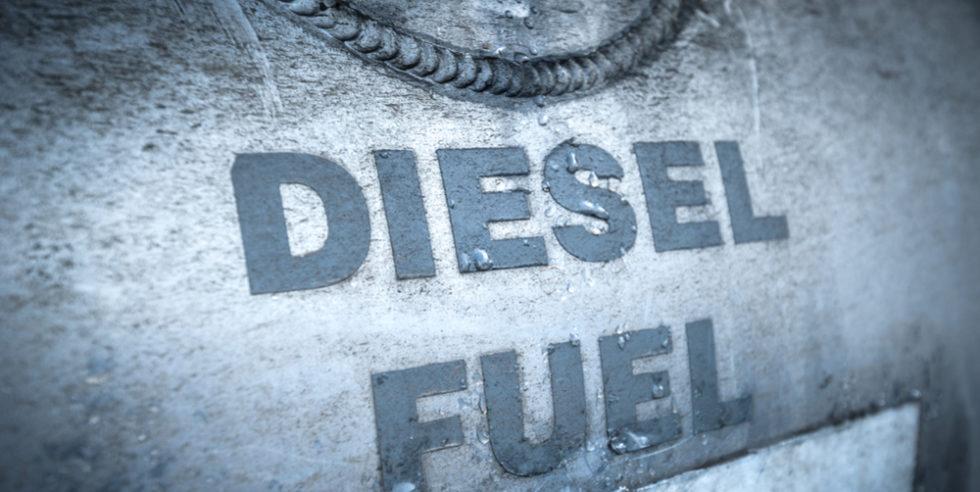 Jetzt kommen sie doch, die Fahrverbote für Dieselautos. Das dürfte nicht nur zu starken Wertverlusten bei Dieselfahrzeugen führen, sondern auch zu unterschiedlichen Regelungen in jeder einzelnen Stadt. Denn eine bundesweite Regelung hatte die Große Koalition in den vergangenen vier Jahren nicht beschlossen.