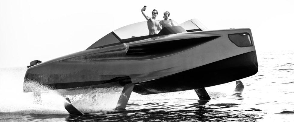 Dieses Boot kann dank Tragflügeln unter Wasser über den Wellen fliegen