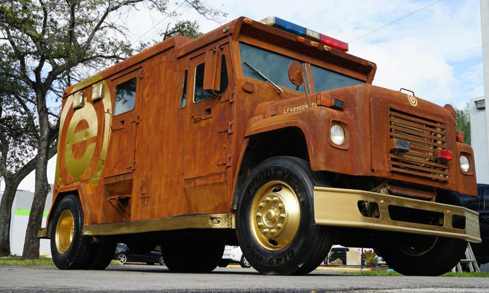 Auch dieser Truck von MetroWrapz sieht nur verrostet aus.