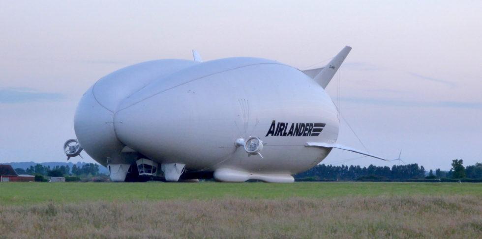 Der Airlander soll in anderthalb Jahren wieder einsatzfähig sein. Im November 2017 war das größte Hybrid-Luftschiff der Welt am Boden verunglückt.
